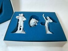 The first noel nativity figurines