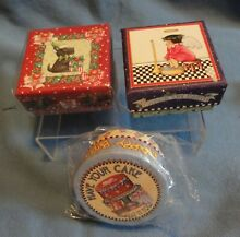3 small gift boxes from pooch