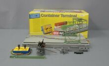 1162 ho scale container terminal