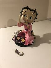 Betty boop figurine final touches