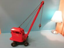 Triang jones kl 44 crane in red