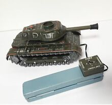 M 40 tank shooting tin toy a