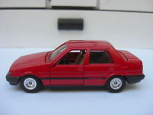 Toyota corolla 1600 1985 red tomica