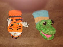 2 knit co hand puppets frog lion