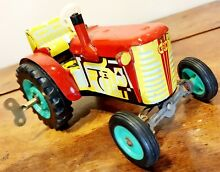 Czech kdn wind up tin toy tractor