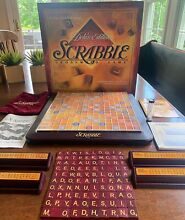 Deluxe edition turntable board game