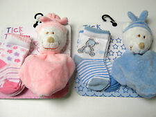 INFANTS/BABYS 2 X SOCKS + TEDDY COMFORTER 0M+ and 6M+ FROM TICK TOCK+ FREE GIFT
