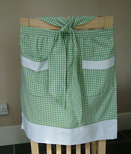 GREEN AND WHITE GINGHAM DESIGN HALF APRON / PINNY
