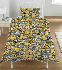 Despicable Me Minions Bedroom Sea Of Minion and 'Le Buddies' Single Duvet Cover