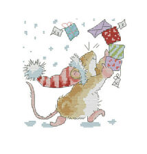14ct cross stitch kit - Cute Christmas mouse with presents - 19x19cm
