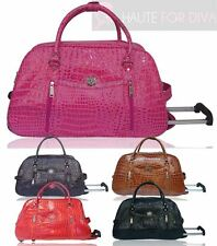 LADIES NEW FAUX PATENT LEATHER MOCK CROC PRINT HOLDALL TRAVEL WEEKEND BAG LYDC