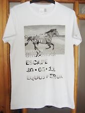 MENS WHITE T-SHIRT FROM ASOS WITH GALLOPING HORSE PRINT FRONT SIZE XS/S/L