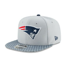 New Era NFL NEW ENGLAND PATRIOTS Authentic 2017 Sideline 9FIFTY Snapback Game Ca