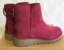 UGG KRISTIN CLASSIC SLIM LONELY HEARTS Fuchsia SUEDE WEDGE BOOTS Pink 1012497