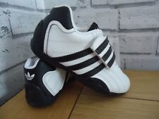 BOYS Adidas Goodyear Trainers, adi racer boys trainers shoes.