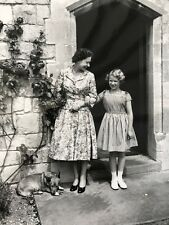 Her Majesty Queen Elizabeth II & The Royal Family Photo Pictures - Set A Series