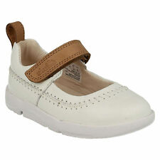 Clarks Faze Fever Flat Leather Shoes
