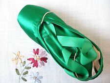 Adult intermediate/advanced-level green satin ballet dance pointe shoes - New