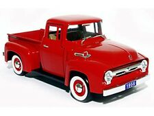 Ford F 100 Pick Up Baujahr 1956 in rot  Maßstab 1:32