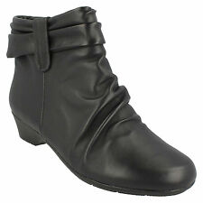 LADIES CLARKS RUCHED WIDE FIT SOFT LEATHER ZIP UP CASUAL ANKLE BOOTS MATRON ELLA