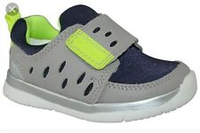 CLARKS BOYS SHOES TRAINERS Size 4
