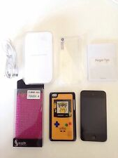 Apple iPod Touch 4th Generation 32gb With Accessories