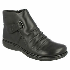 UN ARLYN LADIES UNSTRUCTURED CLARKS LOW HEEL RUCHED ZIP LEATHER ANKLE BOOTS