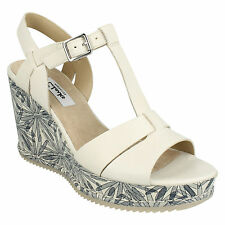 b7e1d4ae4 LADIES CLARKS ADESHA RIVER LEATHER BUCKLE T BAR OPEN TOE CASUAL WEDGE  SANDALS