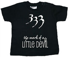"DIVERTENTE T-SHIRT Bebè "" 333 The Mark of UNA PICCOLA DEVIL "" VESTITI REGALO"