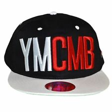 YMCMB  CASQUETTE SNAPBACK  TAILLE RÉGLABLE  NOIR BLANC ROUGE NEUF GRADE A
