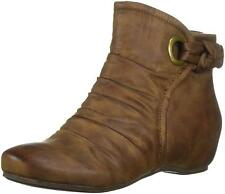 Bare Traps Womens salie Almond Toe Ankle Fashion Boots