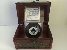 NHL Playoff Chest - Autographed Puck Edition - Hockey Memorabilia - 1 puck