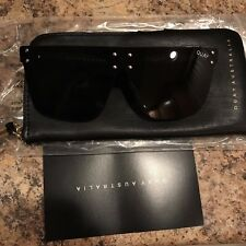 QUAY XKYLIE HIDDEN HILLS SUNGLASSES BLACK SMOKE 100% BRAND NEW & FREE SHIPPNG