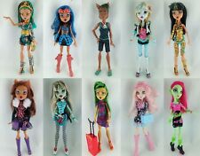 Monster High Puppen (Basic, Nefera, Frankie, Clawdeen, Draculaura, Cleo, etc.)