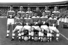 *STUNNING PHOTO* MIDDLESBROUGH 1964 LINE UP @ DEEPDALE (MID-029)