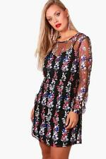 Boohoo Plus Zoe Embroidered Skater Dress per Donna