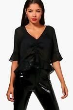 Boohoo Alice Ruched Front Ruffle Hem Blouse per Donna