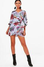 Boohoo Petite Milly Stripe And Floral Wrap Dress per Donna