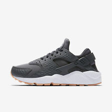 Nike Womens AIR HUARACHE RUN SE Sneakers 859429-006 MSRP: $120