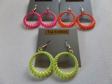SMALL RETRO TWISTED DROP DANGLE HOOP EARRING Neon Green Hot Pink Orange2.5cm new
