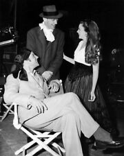 Fred Astaire Judy Garland Relaxing On Film Set Rare Image 8X10 Photo