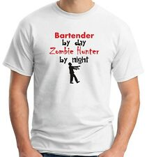 T-shirt BEER0167 Bartender By Day Zombie Hunter By Night