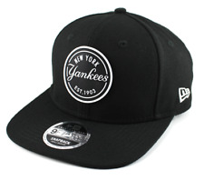 NEW ERA 9FIFTY SNAPBACK CAP. RUBBER EMBLEM NEW YORK YANKEES. BLACK/WHITE