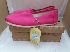 TOMS Classic Barberry Pink Canvas Ladies Shoes
