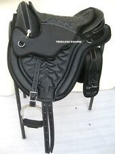 Quality cow softy leathr all purpose treeless saddle black with white stitch+acc