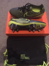 Nike Magista Opus SG Pro Volt Metallic Gold Coin Black Hyper Punch ... 1f79664778