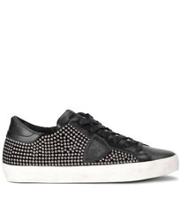 Sneaker Philippe Model Paris in pelle nera con borchie