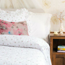 Traditional Quilted Fitted Bedspread White with Rosebud Print