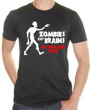 'Zombies eat brains ... so you are safe!' Zombie Joke Mens T-shirt / Tee