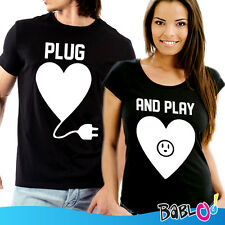 """Coppia Di T Shirt Magliette love You And Me """"Plug And Play"""""""